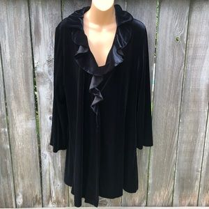 Oscar de la Renta Sleepwear Intimates & Sleepwear - Oscar de la Renta Robe Black Velvet Ruffle Neck